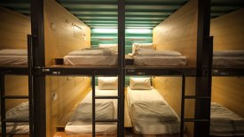 capsule-by-container-hotel-bed-t